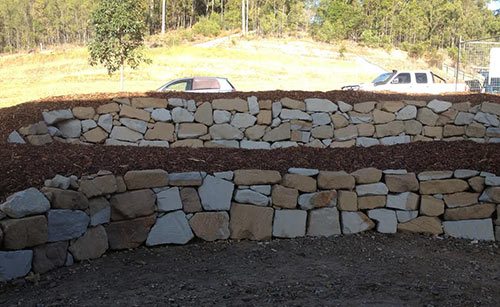 Sandstone rock retaining wall